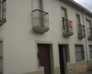Dúplex de 3 habitaciones en Sol, Monesterio
