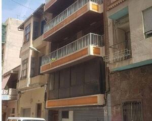 Local comercial reformado en Centro, Alicante