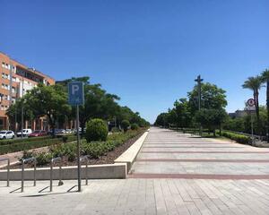 Piso de 4 habitaciones en Vial Norte, AVE Córdoba