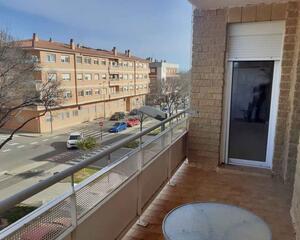 Piso de 4 habitaciones en Valletes, Amposta