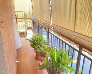 Piso con terraza en Centro, Pineda de Mar