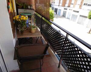 Piso con terraza en Adoratrices, Huelva