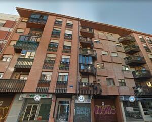 Piso de 3 habitaciones en San Mamés , León