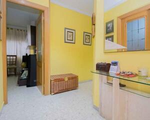 Piso de 4 habitaciones en Zaidín, Granada
