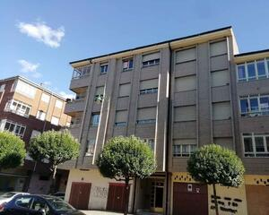 Piso de 3 habitaciones en Quevedo, Armunia León
