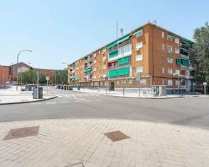 Piso de 3 habitaciones en Ambroz, Vicálvaro Madrid