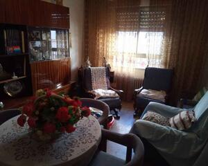 Piso de 4 habitaciones en El Pilar , Albacete