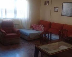 Piso de 3 habitaciones en Pedro Lamata , Albacete