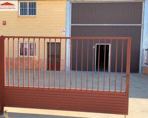 Nave Industrial con patio en Romica, Albacete