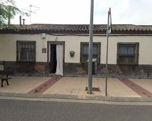 Casa con jardin en Pinseque