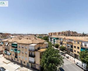Piso de 4 habitaciones en Alminares, Centro Granada