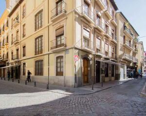 Piso de 4 habitaciones en Gran Vía, Centro Granada