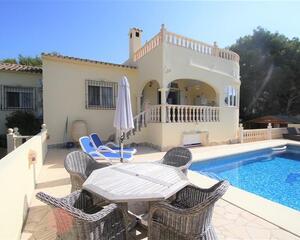 Villa con piscina en Benissa