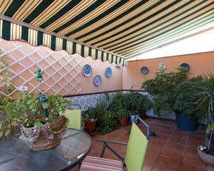 Adosado de 5 habitaciones en Zaidín, Granada