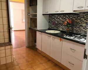 Piso de 3 habitaciones en La Creu Alta, Sabadell