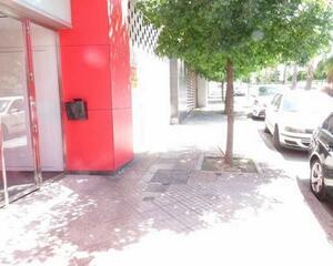 Local comercial en Parque Almunia, Parque Nueva Granada, Norte Granada