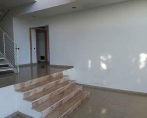 Chalet de 4 habitaciones en Girona 2, Montjuïc Girona