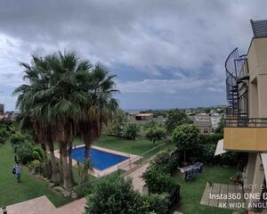 Apartamento con terraza en Masia Blanca, El Vendrell