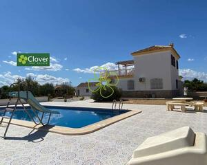 Villa con piscina en La Aljambra, Albox