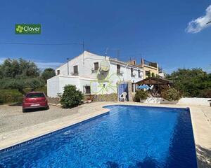 Cortijo con piscina en Arboleas