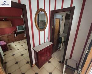 Piso de 3 habitaciones en Libia, Avd. Barcelona Córdoba