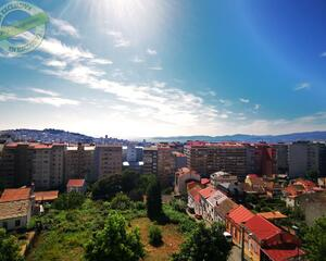Apartamento con garaje en Aragón, Vigo
