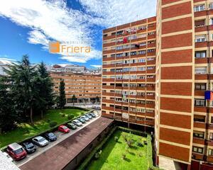 Piso reformado en Vallobín , Oviedo