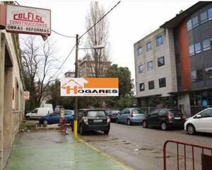 Local comercial con calefacción en Pza. España, Castrelos Vigo