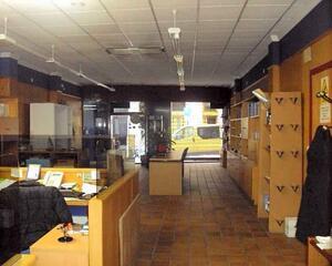 Local comercial con calefacción en Progreso, Areal Vigo