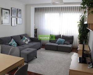 Piso de 4 habitaciones en Juan Carlos I, Pontevedra